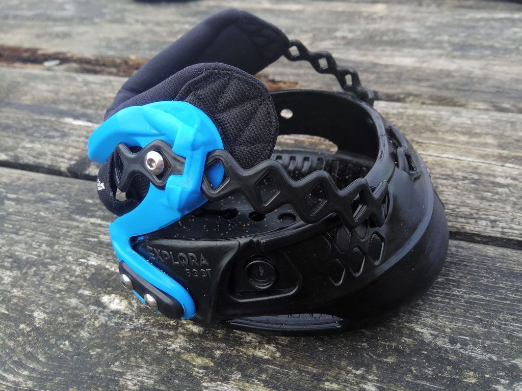 Bota Explora Boot color azul y negro